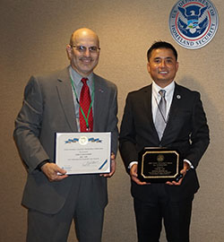 John Contestabi​le receiving the DHS Under Secretary's Award